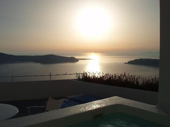 Grace Santorini Hotel: Sunset from  room