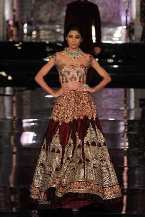 Manish Malhotra ICW16 latest collection 2016 The Persian Story, Red wedding lehenga, Indian wedding outfit #shaadibazaar