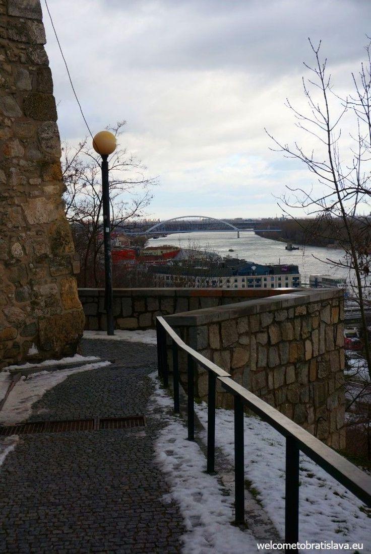 WINTER IN BRATISLAVA - WelcomeToBratislava | Bratislava Castle - view on the Apollo bridge