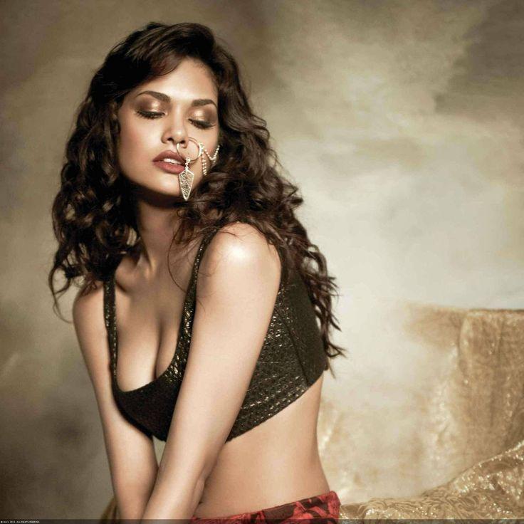 Bejeweled beauty Esha Gupta looks stunning during Filmfare photoshoot.