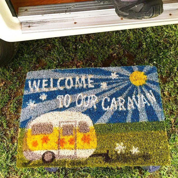 #happylittlecaravan #caravan #roulotte #roller #welcome #pleinair #campingvettore #camping #campeggio #zerbino