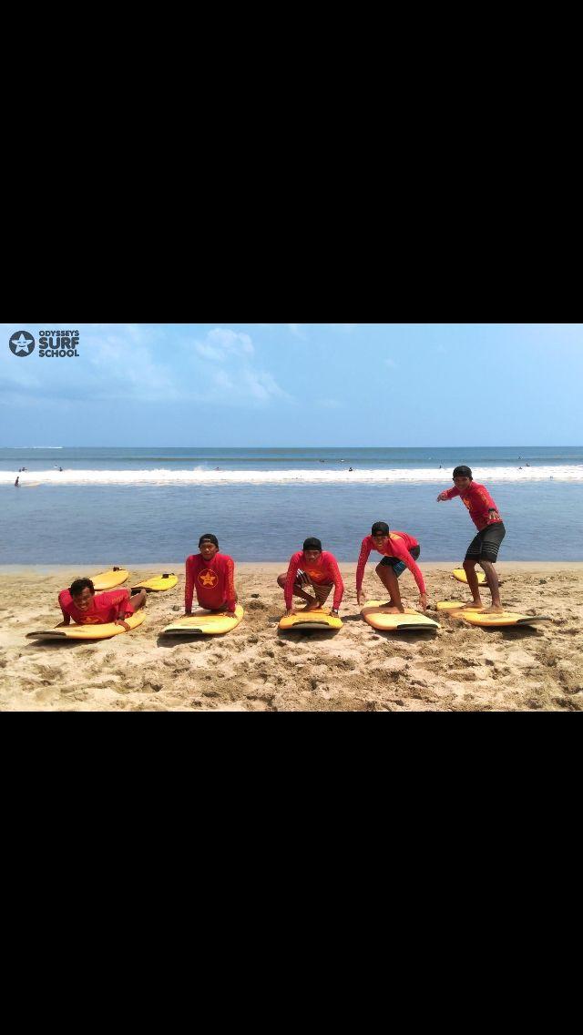 How to stand up on easy steps :)  #surfingisfun #bali #kutabeach #odysseysurfschool #odysseysurfbali