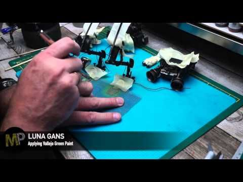 Building the Ma.k LUNA GANS part 16 [green and blue paints] - YouTube