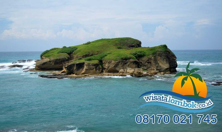 Ingin melihat pemandangan dan pasir pantai Kuta Lombok, yuk liburan bersama http://www.wisatalombok.co.id  #pasirkuta #pemandangankutalombok #pasirkutalombok