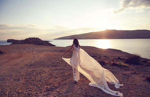 Sounds, scents and sights: An Australian Wedding Blogger talks sensory – Elle + Adhira