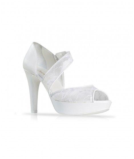 Original zapato de novia con tira de encaje transversal