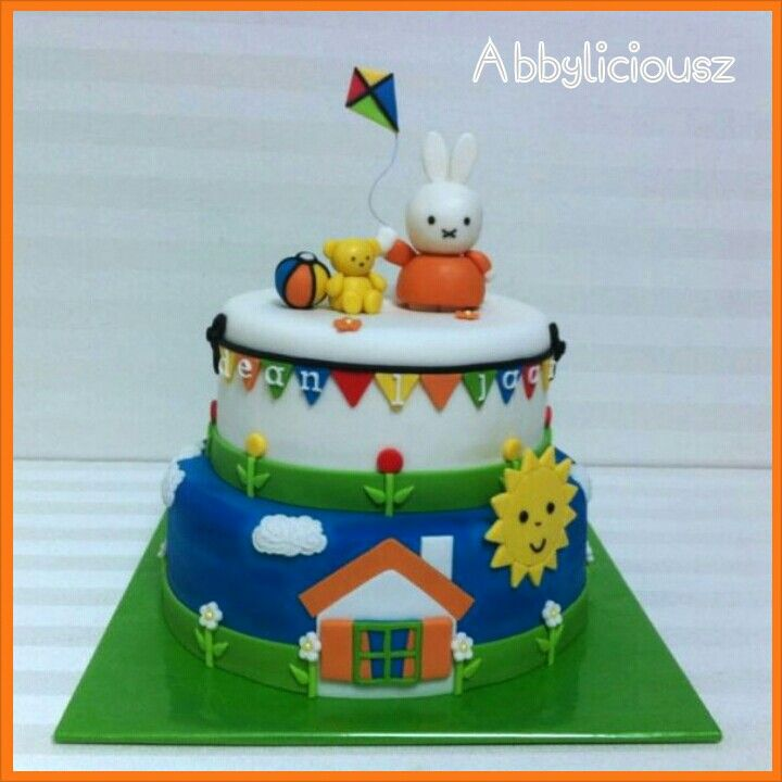 Colourful Nijntje/Miffy cake...