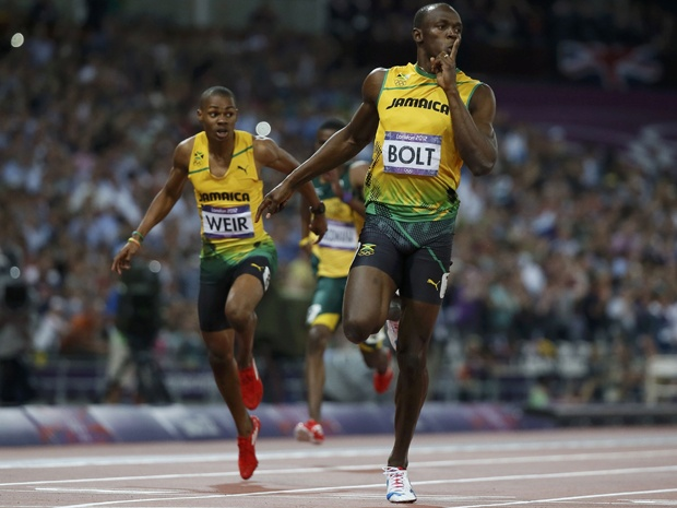 Usain Bolt beats Yohan Blake in 200m to claim second Olympic gold in London