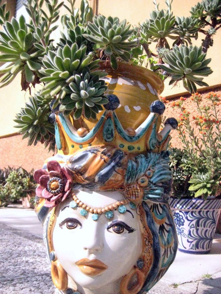Pottery from Caltagirone and now in my garden