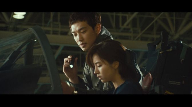 Jung Ji-hoon aka Rain Starring in R2B: Return to Base   R2B: Return to Base [Black Eagle] [Soar Into The Sun] Movie Trailer [Video Credit: koreandramadiary]   Return to Base - Rain's Grav...