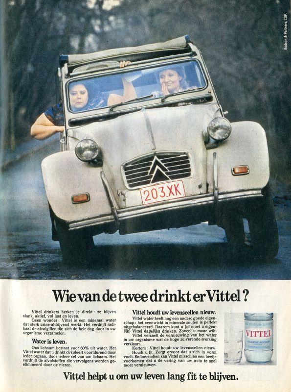 Citroen 2Cheveauxwagen, reclame voor Vittel mineraalwater.