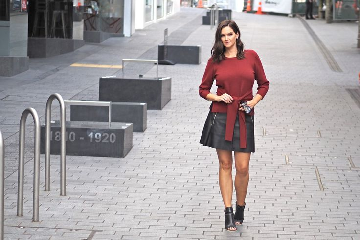 5 fabulous knits that wont add bulk like this gorgeous Oliver Black Rust knit.