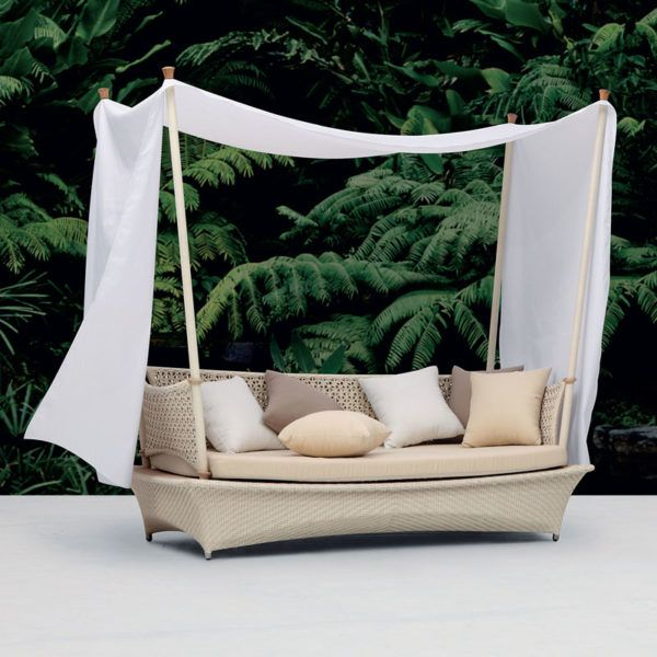 Bali Dreams 3 SeaterThe Bali Dreams 3 Seater couch is made from an aluminium frame covered with wicker Couch Outdoor.