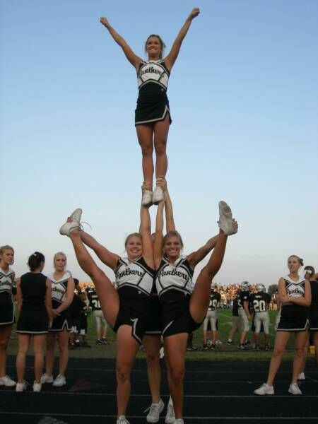 Cute Stunt Picture Idea (: