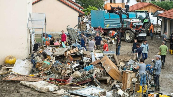 "Simbach am Inn (Bayern) nach der Flut | BILD-Reporter: ""Es sieht aus wie Kriegsgebiet"" - News Inland - Bild.de"