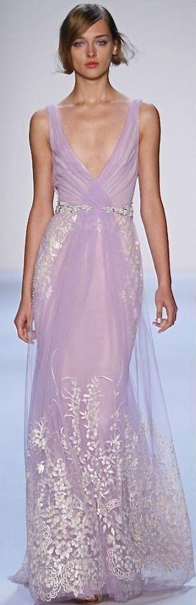 上品でエレガントなパステルパープルのドレス♡花嫁衣装に着たいスレンダーカラードレスの一覧♡