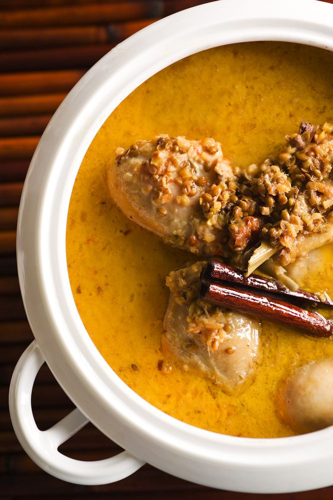 Recipe: Stewed chicken with spicy coconut curry sauce || Photo: Francesco Tonelli for The New York Times