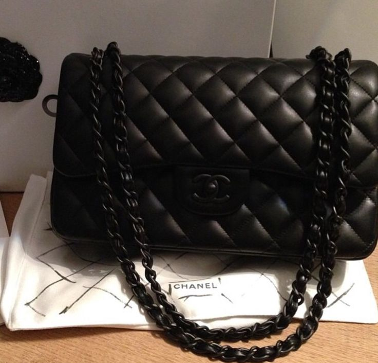 "Chanel ""So Black"""