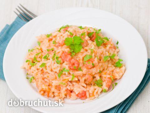 Smotanové rizoto -  Uvaríme ryžu. Cibuľku nakrájame na drobné kúsky a osmažíme na oleji. Pridáme kečup, lečo, korenie a soľ. Prilejeme vodu...