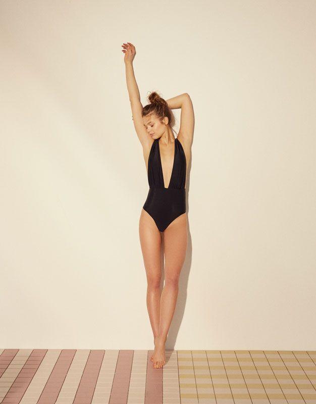 Maillot de bain décolleté V - Vêtements de plage - Accessoires - Femme - PULL&BEAR France
