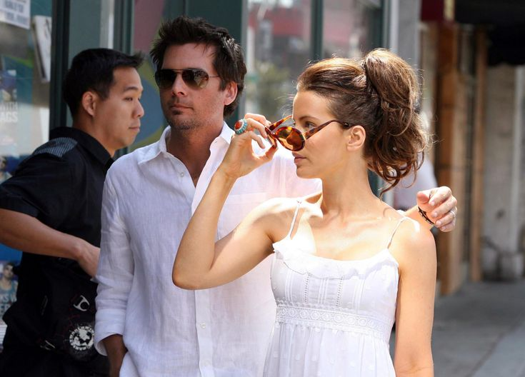 Kate Beckinsale is back on the market as new reports indicate the British actress and her husband Len Wiseman have filed for divorce