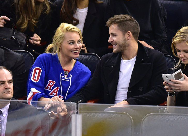 Pin for Later: Margot Robbie Was Having the Best Time Ever at a Hockey Game With Her Boyfriend