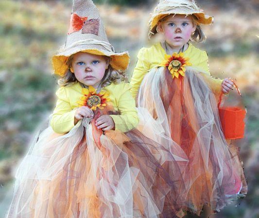 OMG! Cutest tutu halloween costume EVER! Full tutorial. #scarecrowtutu #tutuhalloween #halloweenoutfit