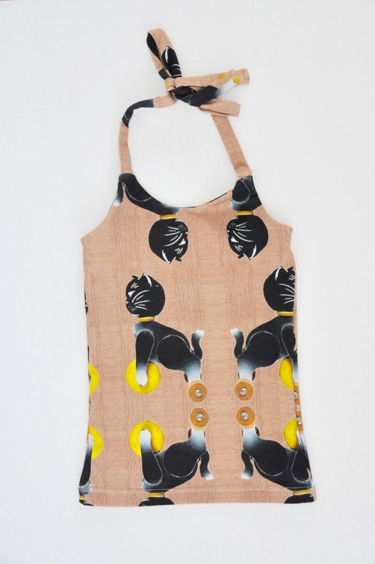Ieder meisje heeft een zomers haltertopje nodig om op warme dagen te dragen.     Gloria is een gratis patroon voor topjes van maat 86 tot e...