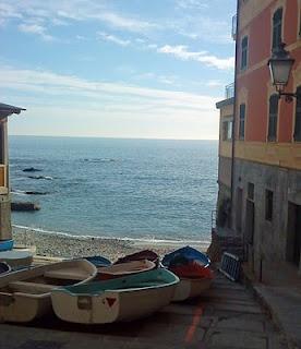 Nervi is asmall resort,a few kilometreseast of Genoa in Liguria, well known forits beautiful gardens, parks andmild climate as well asthe Passeggiata Anita Garibaldi, a cliffside promenade with panoramic views.