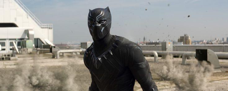 Er landet katzenhaft-geräuschlos auf dem Boden und wohnt im imposanten Dschungel des fiktiven afrikanischen Staats Wakanda: Bühne frei für den Marvel-Helden Black Panther (Chadwick Boseman), der 2018 seinen Solofilm bekommt