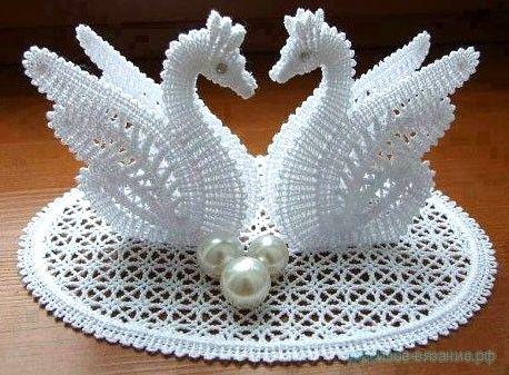 Свяжите парочку необычайно красивых лебедей. Они послужат украшением для свадьбы,просто для души, для украшения интерьера или для подарка!