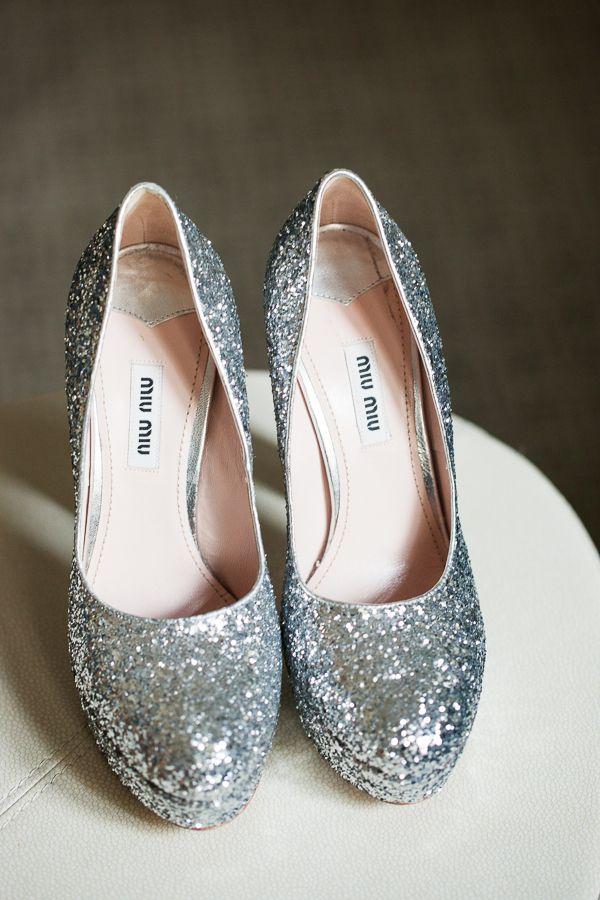 Beautiful wedding shoes / Wedding published on www.dittbrollop.se / Photo: Jacek Siwko Photography
