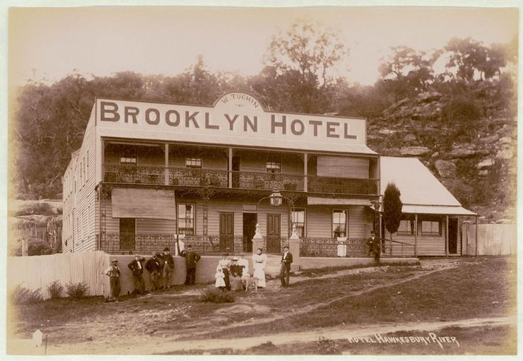 Brooklyn Hotel, Hawkbury River, NSW . ca. 1900  v@e.