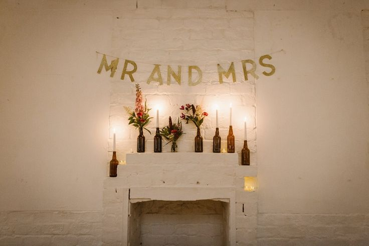 Gold glitter Mr & Mrs sign cool, modern, warehouse wedding in Glasgow. Photography by The Curries.