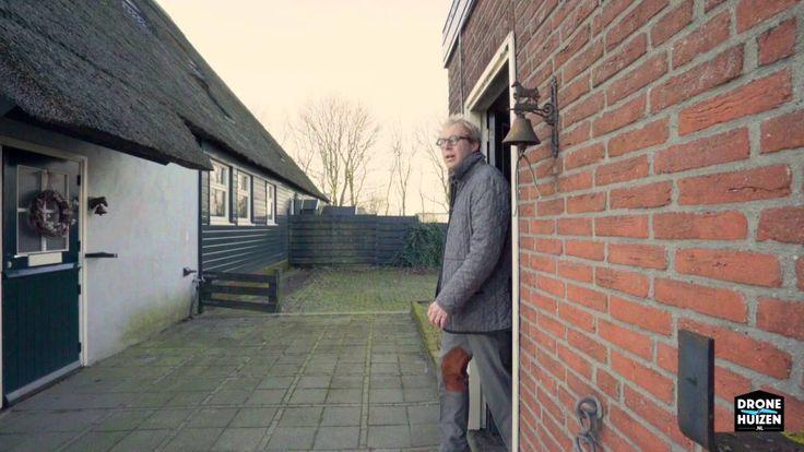 Uw eigen paard in zijn prachtige stal 10 stappen naast uw voordeur… Dat is toch een droom? Deze droom kan werkelijkheid worden aan de Oosterboekelweg 25a in De Weere. Een compleet gerenoveerde en in tweeën gedeelde stolpboerderij op ruim 5.000 m² grond met romantische stal en veranda. Bezoek onze website voor meer informatie over deze woning: https://vgp.to/YLEepN Meer Buitengewone drone video's & woningpresentaties: http://www.dronehuizen.nl
