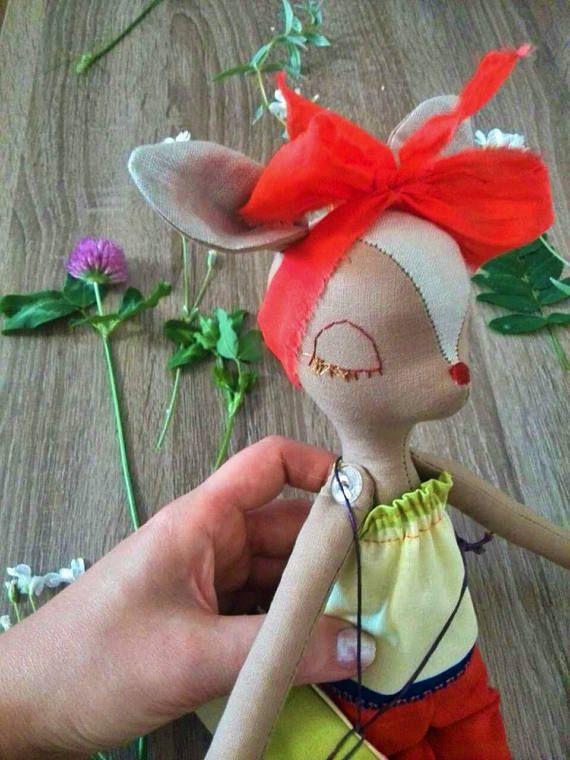 Niña de trapo muñeca ciervos muñecas hechas a mano regalo