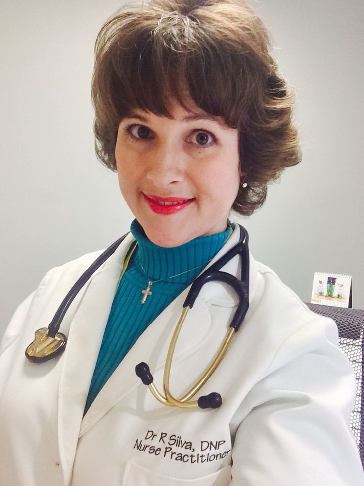 What is a nurse practitioner? How do I become a nurse practitioner? Learn the steps needed to become a successful nurse practitioner graduate. #NP #nursepractitioner