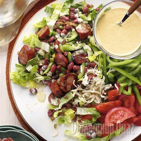Салат с колбасками гриль