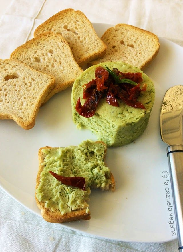 Queso vegano a las finas hierbas [Raw Food] | La Cazuela Vegana
