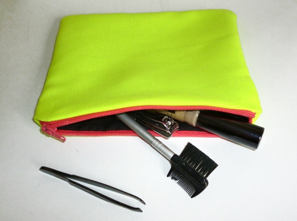 Neon Yellow Make Up Bag ☻                                                                                                                                                                  ⇜•ṄεΦЙ❉€яᗛƶΣ•⇝