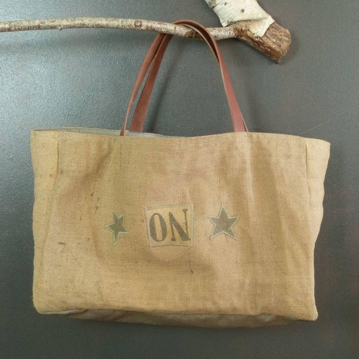 Très grand cabas de plage format XXL en toile de jute ancienne recyclée (authentique sacs à grains) pièce unique originale artisanat France de la boutique MADEinPERCHE sur Etsy
