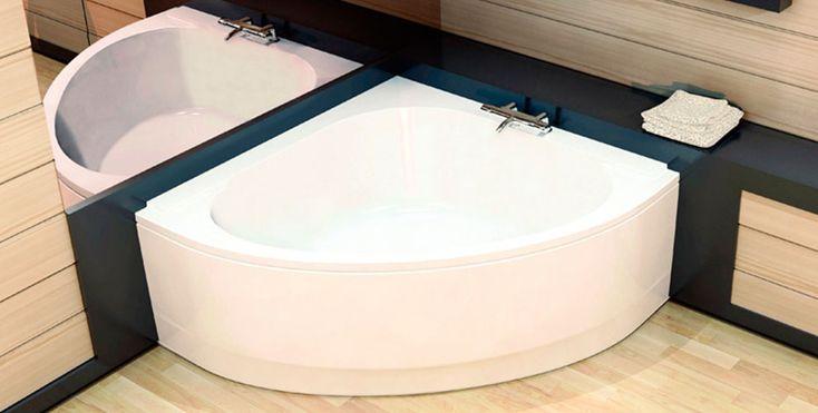 Dans une petite salle de bains, il est impératif de trouver une solution gain de place. La meilleure d'entre elles est la baignoire d'angle.