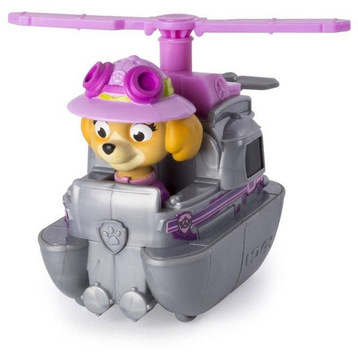 Ga op reddingsavontuur in de jungle met Rescue Racer Skye uit de tv-serie Paw Patrol! De lieve pup Skye draagt haar jungle hoed en rijdt of vliegt rond in haar zilveren met roze reddingsvoertuig. Het speelfiguur en het voertuig zijn gemaakt van stevig kunststof en niet los te halen. Afmeting: 9 x 5 x 8 cm - Paw Patrol Rescue Racers - Jungle Skye