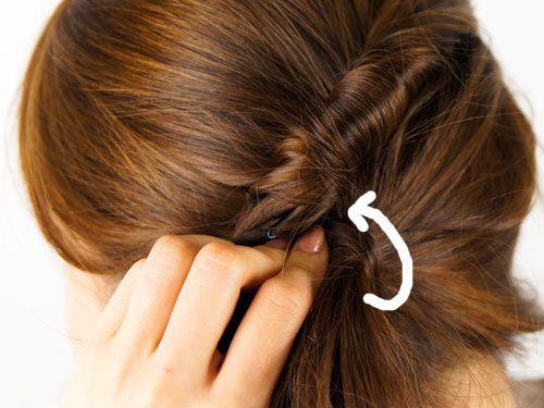 ヘアピンを髪の毛で隠す ヘアアレンジ 髪 ミディアム 髪 アレンジ