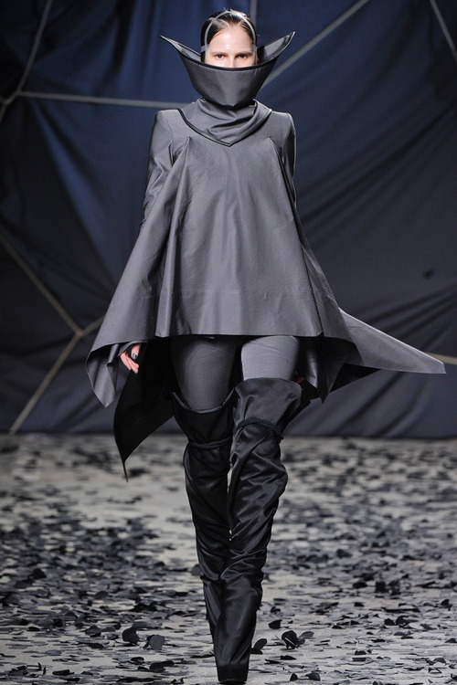 Gareth Pugh Ready to Wear 2012 Fall