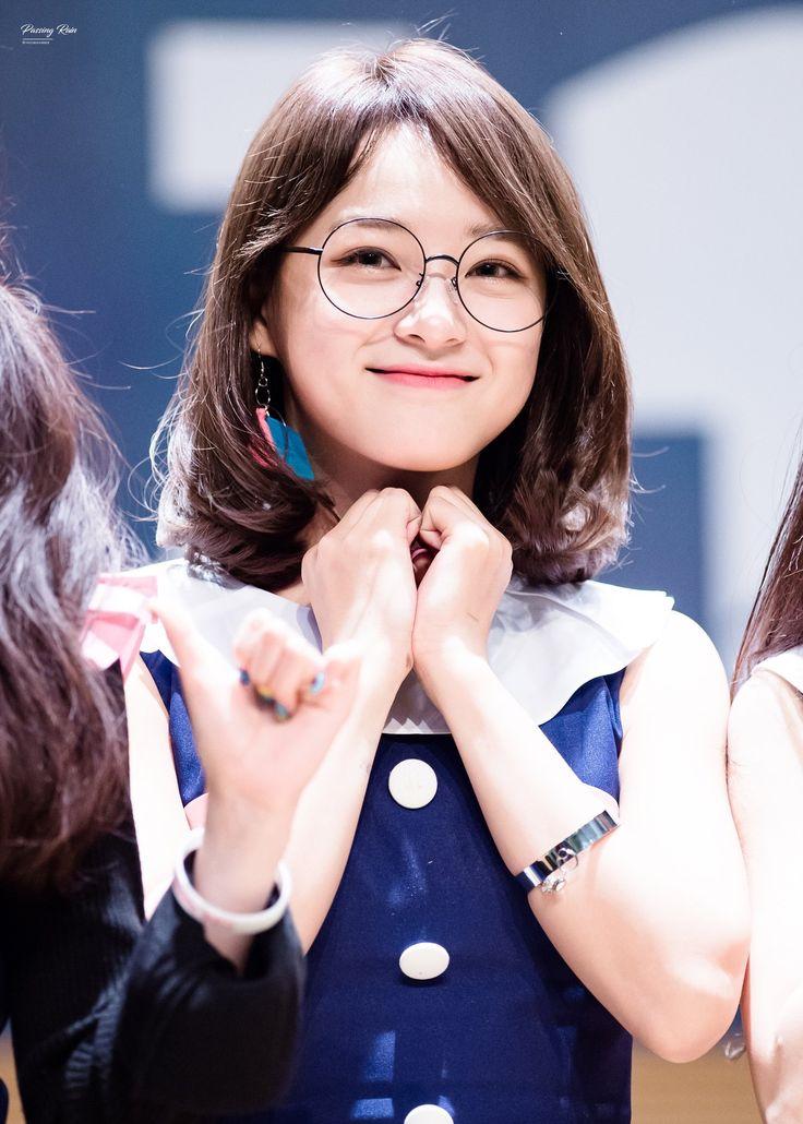 170311 - Kim Sejeong @ Dongdaemun fansign event (cr.PassingRain0828)   Twitter