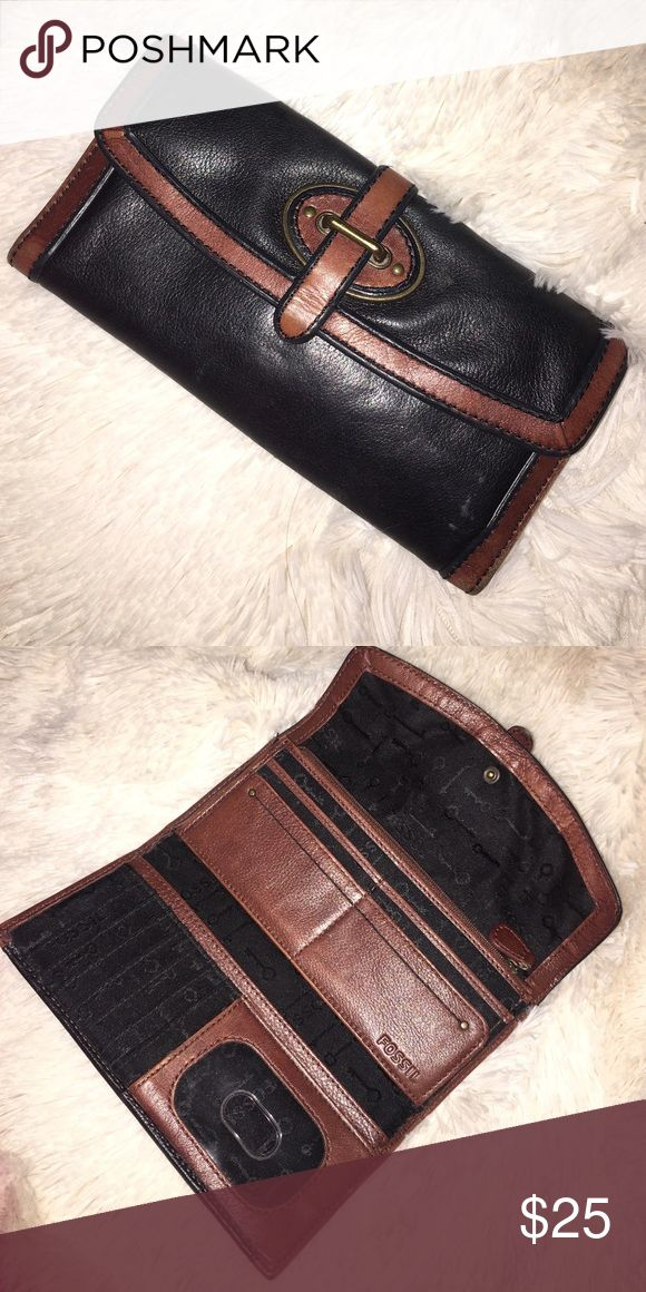 Fossil Women's wallet Great condition Fossil wallet Fossil Bags Wallets