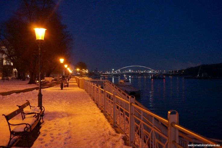 WINTER IN BRATISLAVA - WelcomeToBratislava | View on the Apollo bridge by night