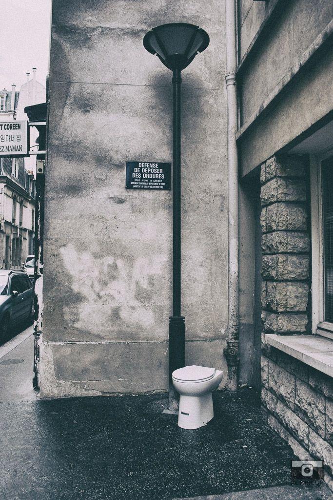 In the streets of Paris, mémoire du paris. #Paris #France #Street Photography #Architecture #Street Installations #retro