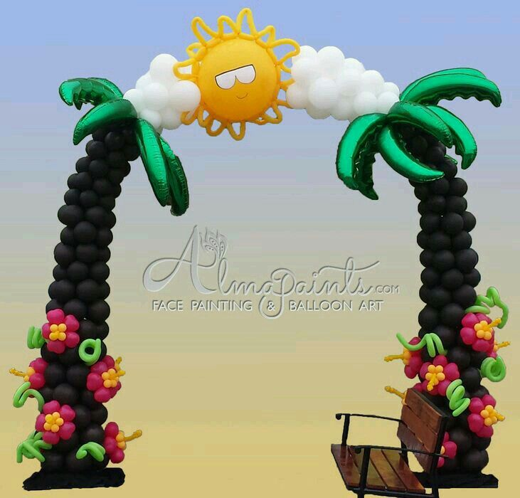 Arco palmeras con globo